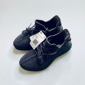 New Yeezy Boost 350 v2 Black Non reflective 5.5